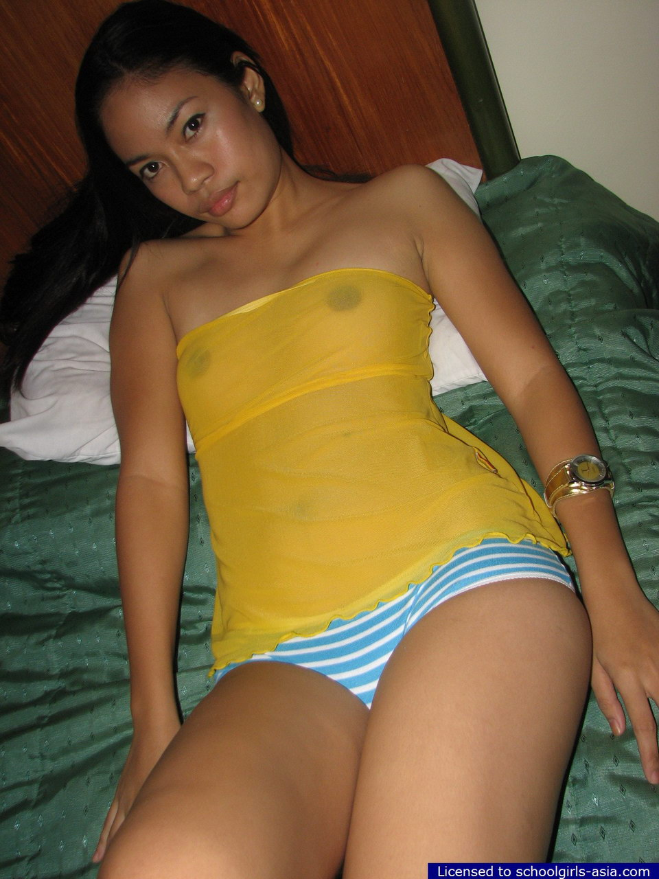 Half nude filipina girls